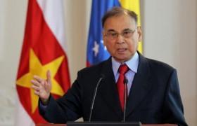 Rodríguez presenta credenciales como embajador de Venezuela en Cuba