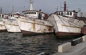 """Retenidos 521.000 litros de gasoil en """"buques de pesca fantasma"""" en Falcón, informó Padrino López"""