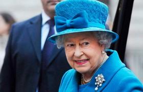 Isabel II es neutral, como siempre, pero no tanto con Escocia