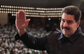 53,2% de los venezolanos evalúa positiva gestión de Maduro, asegura ICS