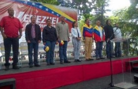 Alcaldes bolivarianos de Miranda exigen cuentas a Capriles