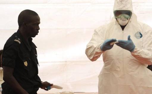 Los ensayos con vacunas del ébola podrían comenzar en África en diciembre