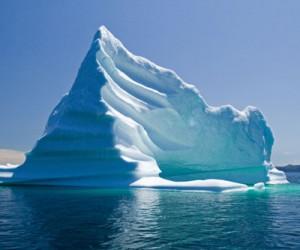 Expertos estudian el comportamiento de los icebergs en aguas antárticas