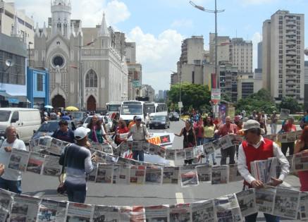 Medios alternativos y comunitarios impresos se movilizan por la defensa del legado de Chávez sobre el fortalecimiento de la comunicación popular