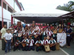 Industrias Diana entregó instrumentos musicales a los alumnos de la Escuela Bolivariana Antonio Ricaurte