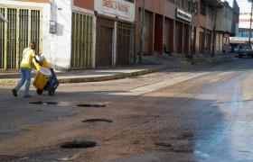 Peligro en la Av. Martín Tovar por boca de visita sin tapa
