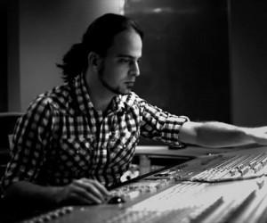 Productor musical valenciano deja en alto la bandera venezolana