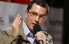 Arreaza solicita a Colombia derogar leyes que permiten el contrabando