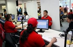 Prohíben uso de celulares y tablets a personal del Saime tras denuncias de usuarios