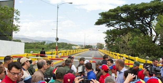 Venezuela solicitará indemnización por éxodo de colombianos desplazados